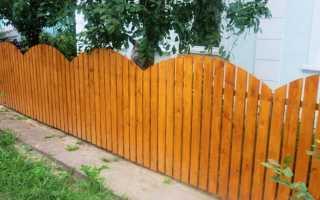 Как сделать забор из дерева своими руками